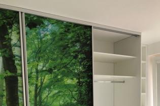 Vstavaná skriňa - Grafické sklo - 3 star Žilina